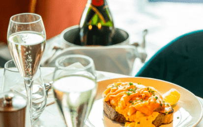 A Brown's Bottomless Brunch with Moet and Lobster Benedict